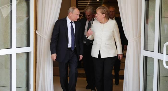 """Herr im Haus"""" und """"Blumen-Affront"""": Russischer Politologe"""