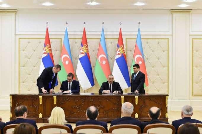 Azerbaiyán y Serbia firman varios documentos