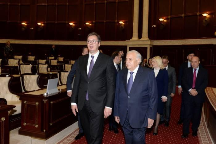 Serbiens Präsident Aleksandar Vucic im aserbaidschanischen Parlament