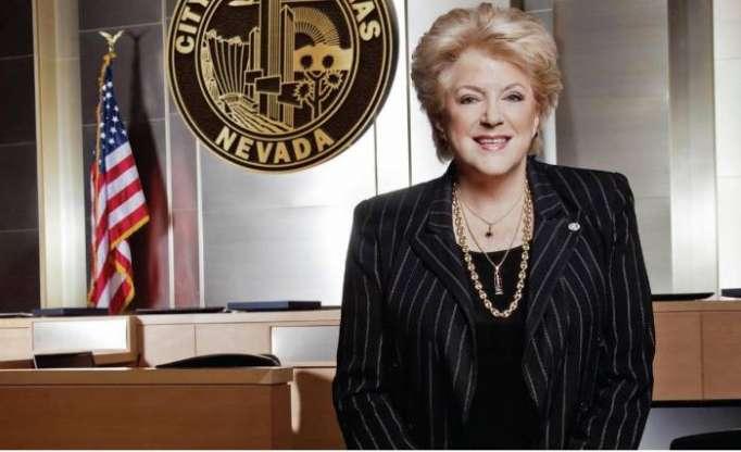 Alcadesa de Las Vegas firma declaración sobre el centenario de la República Democrática de Azerbaiyán