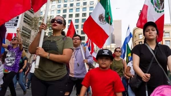Hablar español en Estados Unidos, un deporte de riesgo