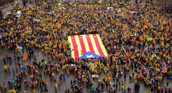 """La CUP reclama recuperar la soberanía de Cataluña """"perdida debido a la UE"""""""