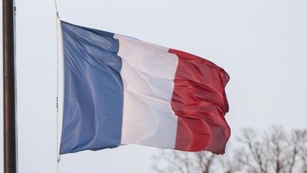 Frankreichverdächtigt zwei Ex-Geheimdienstler des Verrats