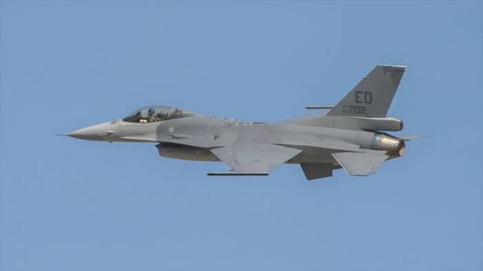 Taiwán envía cazas para vigilar y seguir bombarderos de China