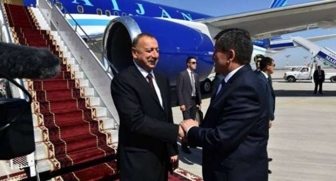 Azerbaijani, Kyrgyz presidents hold phone talk