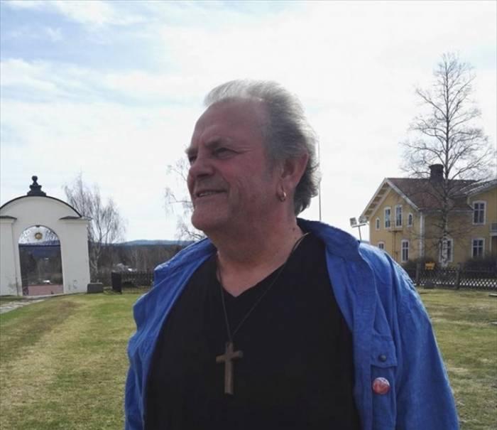 إشادة قس سويدي بأخلاق المسلمين تلقى تفاعلًا كبيرًا في البلاد
