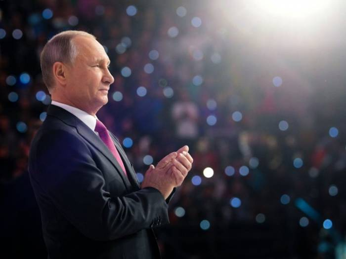 Paşinyanı ilk təbrik edən Putin oldu