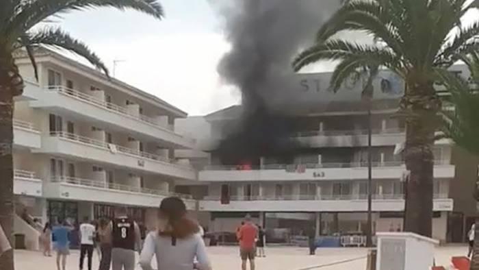 VIDEO: La broma de unos turistas británicos incendia un hotel en España
