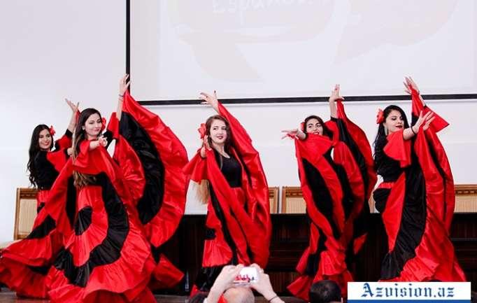 En la Universidad de las Lenguas de Azerbaiyán se llevó a cabo un evento ¨Día de la Lengua y Cultura Española¨