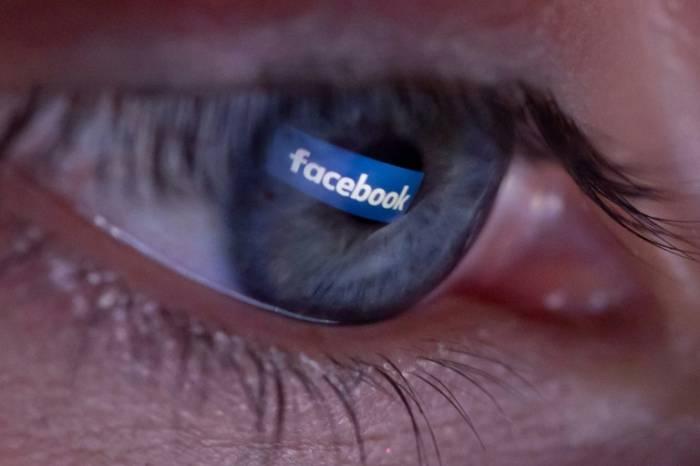 Irlande: Facebook bloque des pubs avant un référendum