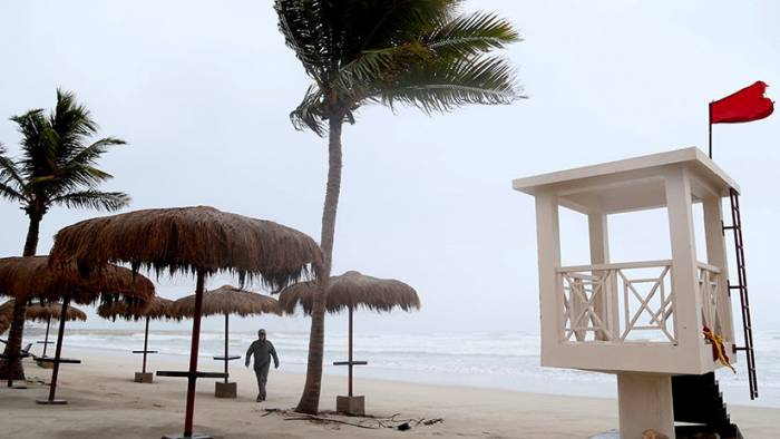 Un potente ciclón azota la península Arábiga