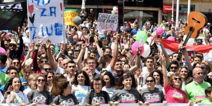 Les Croates défilent par milliers contre l