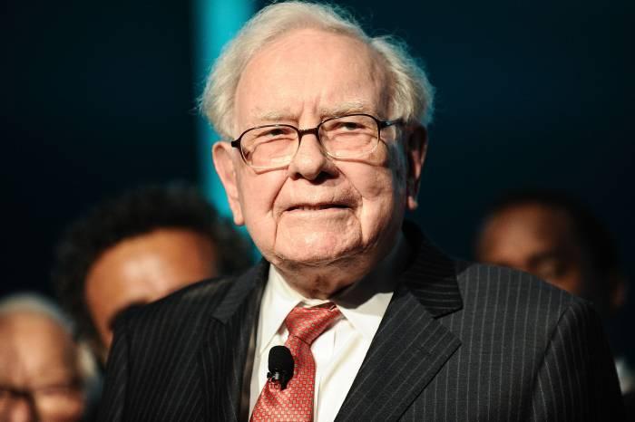 Warren Buffett says bitcoin is rat poison
