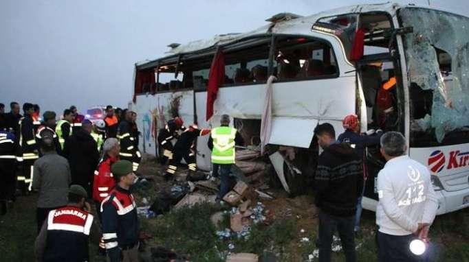 Şagirdləri aparan avtobus aşıb - 16 yaralı