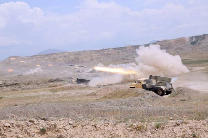 Combines Arms Army stages live-fire drills in Nakhchivan