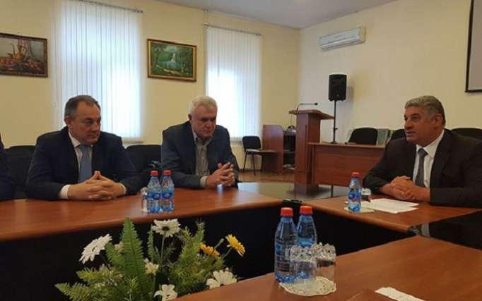 Namiq Əliyev güləş federasiyasına qaytarıldı