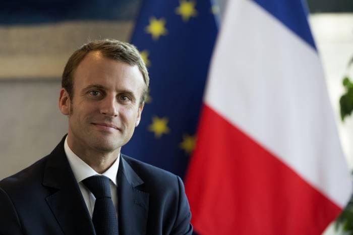 Le 14 juillet, Macron recevra Merkel et Junker à déjeuner à l