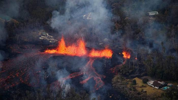 At least four buildings on La Palma destroyed by volcano