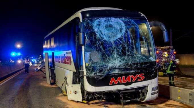13 Verletztebei Unfall auf der A3