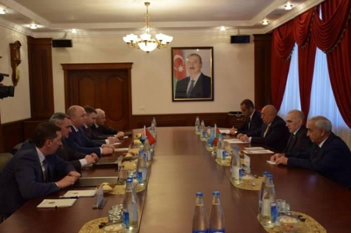 Yavər Camalov belaruslu generalla görüşüb