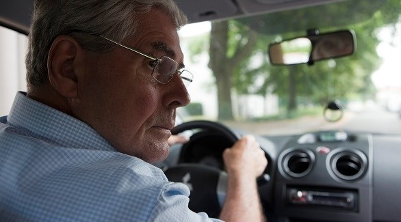 ما يجب مراعاته عند قيادة السيارة في الشيخوخة؟