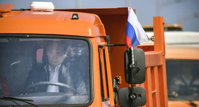 Putin refuerza la anexión rusa de Crimea con un nuevo puente