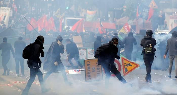 El Gobierno renuncia a subir los impuestos al combustible tras la ola de protestas de los