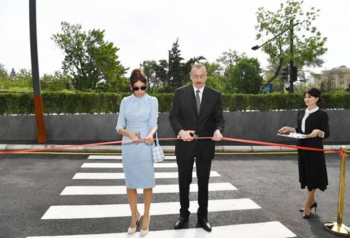 Prezident və xanımı təhsil kompleksinin açılışında -