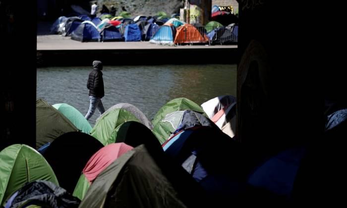 Refugees in Paris face