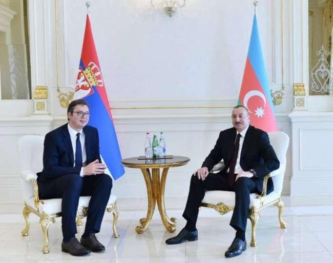 لقاء على حدة بين الرئيسين الاذربيجاني والصربي