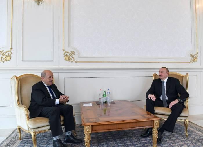 الهام علييف يستقبل وزير الخارجية الفرنسي