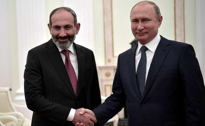 Putin Moskvada Paşinyanla görüşdü