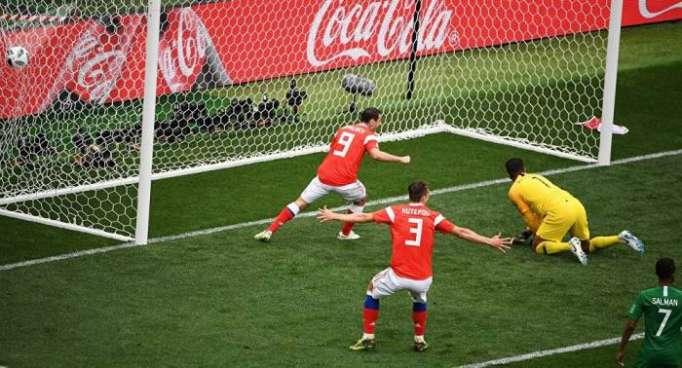 Le premier but de la Coupe du monde est pour la Russie