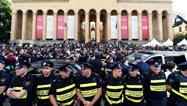 Tbilisidə yenidən kütləvi etirazlar başladı