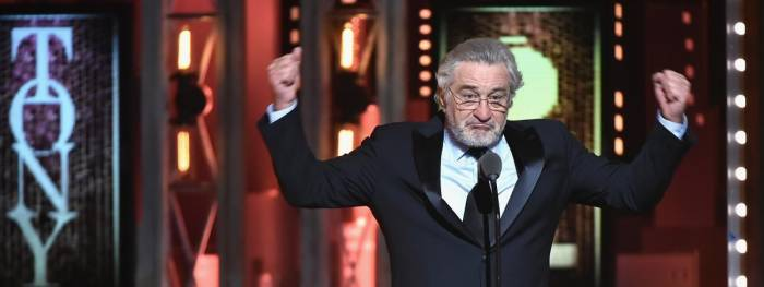 Robert De Niro «emmerde Trump» aux Tony Awards - VIDEO