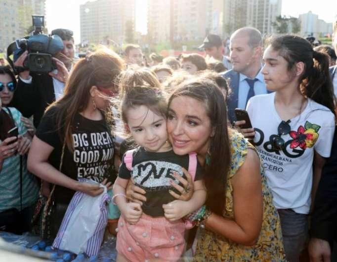 Un festival pour enfants dans le parc du Centre Heydar Aliyev - PHOTOS