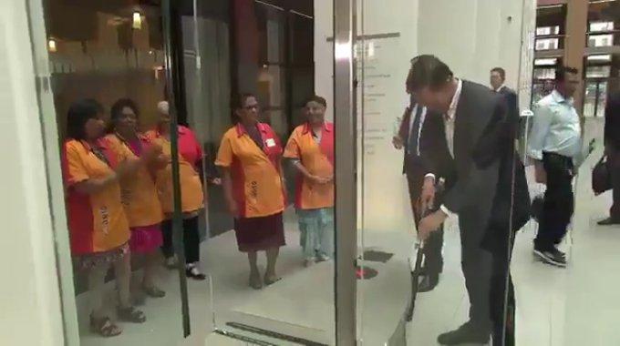 Dutch PM Mark Rutte cleans up parliament coffee spill - VIDEO