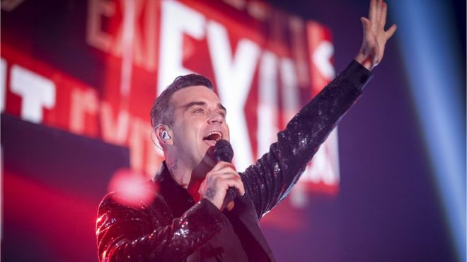 Robbie Williams to kick off World Cup - despite offending Russia in 2016