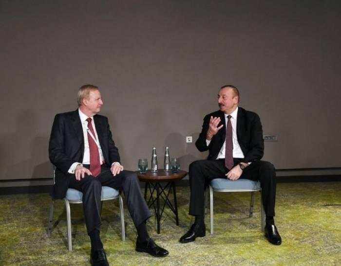 Präsident Aliyev trifft sichtmit dem Vorstandsvorsitzenden von BP