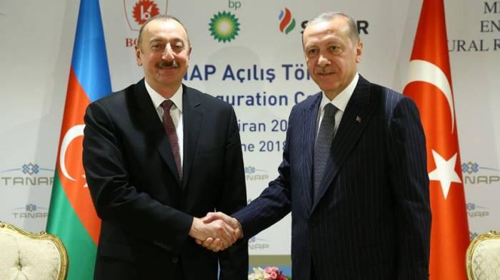 Präsident Aliyev und Türkei Präsident Erdogan treffen sich in Eskisehir