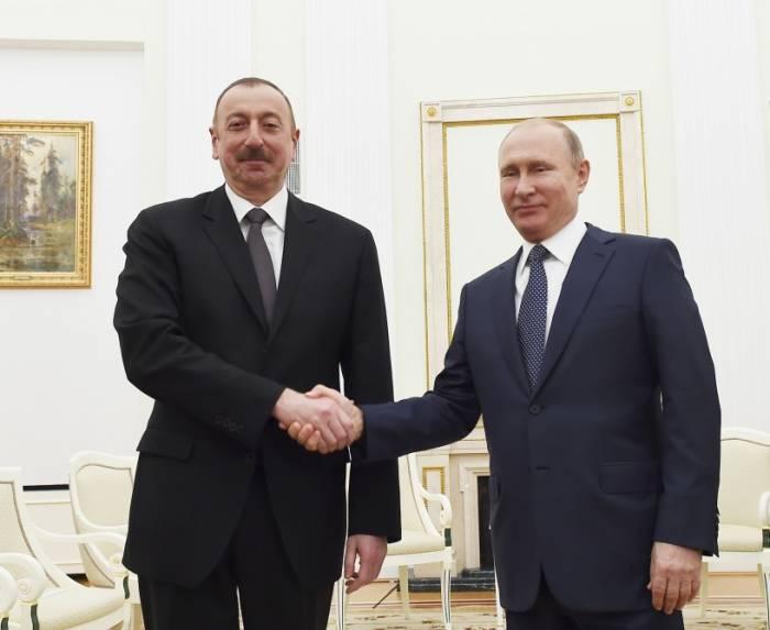 Treffen zwischen Präsident Ilham Aliyev und Präsident Wladimir Putin