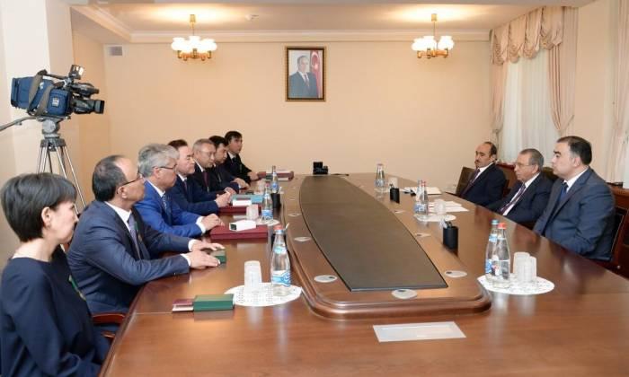 Ramiz Mehdiyev: Azerbaiyán se reserva el derecho de liberar a su tierra