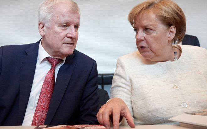 Migrant row threatens Merkel