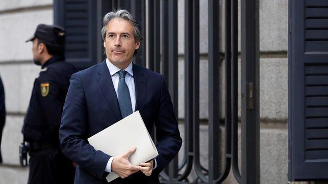 De la Serna da su apoyo a Sáenz de Santamaría para liderar el PP