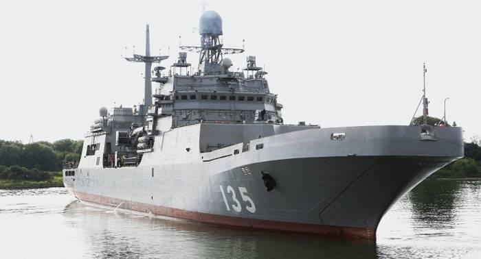 """Russisches großes Landungsschiff """"Iwan Gren"""" in Dienst gestellt – VIDEO"""