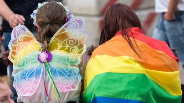 Grüne werfen Regierung vor, die Verfolgung Homosexueller zu verharmlosen