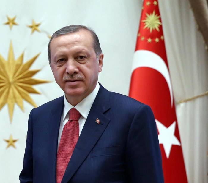 Erdogan será investido hoy como presidente con plenos poderes ejecutivos