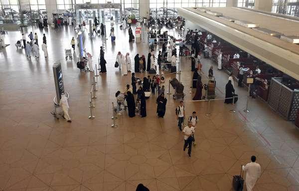«الخارجية» تطلق حملة نصائح السفر لسلامة المواطنين في الخارج