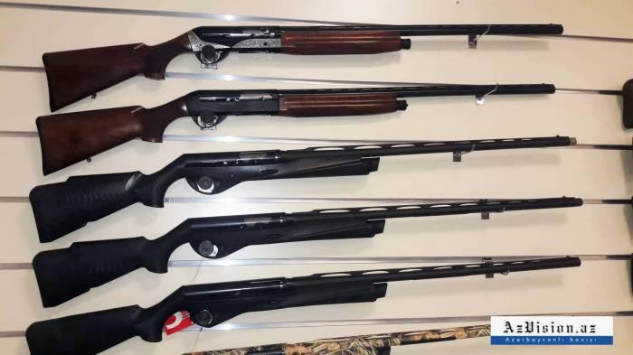Bakıda İtaliya, Belçika silahları satılır - Qiymətlər (FOTOLAR)