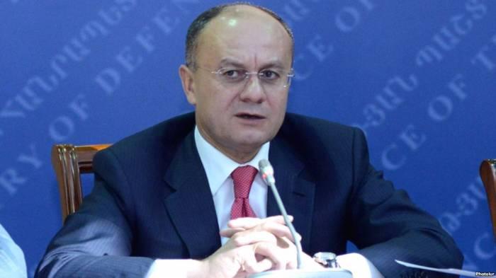 Ermənistan ordusunda korrupsiya işi - Ohanyan dindirildi